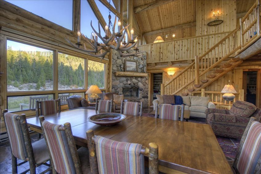 Montana dream cabin picture perfect homeaway big sky for Big sky cabin rentals
