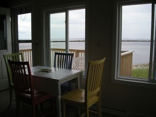 Hill's Beach cottage photo - Kitchen table