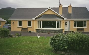 Glenbeigh house rental - Front of house