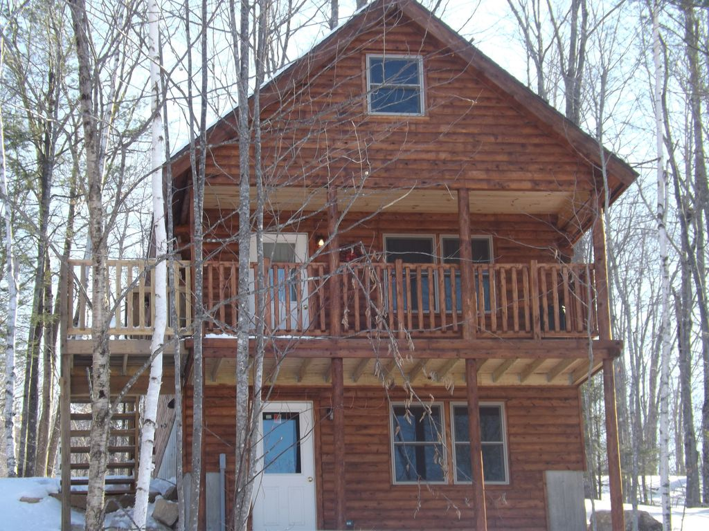 Cozy New Cedar Log Cabin Minutes From Norway Lake Public