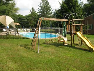 Lincoln cabin photo - Pool and play area