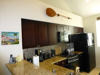 Waikoloa Beach Resort condo photo - View of the kitchen