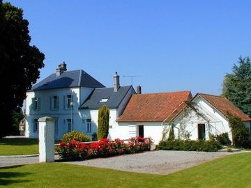 Calais chateau / country house rental