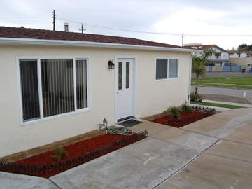 Pismo Beach condo rental - Plenty of room in the front to sit and watch the Sunset