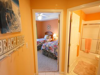 Lake Ozark condo photo - Bath near the Twin (4th) Bedroom off of the main living area