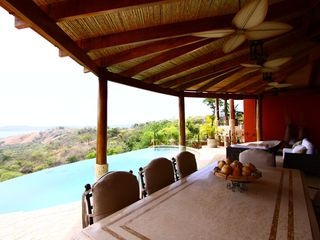 Playa Panama villa photo - The sun-terrace has a large dining table that acts as a superb social area.