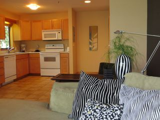 Portland condo photo - Spacious kitchen. Watch the river while your creating in the kitchen.
