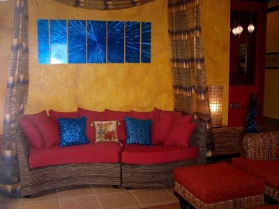 Roatan condo rental - Living room seating in style.