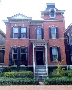 Savannah house rental - 1886 Victorian Italianate