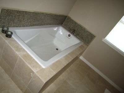 Large tub in master bathroom