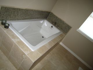 Large tub in master bathroom - Austin house vacation rental photo