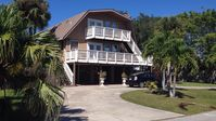 Breezes, Balconies, Beach and Pool! Fabulous 3 Story House in Historic Venice