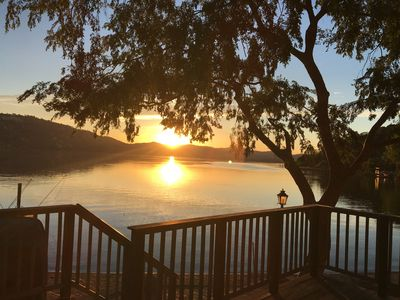 Large private beautiful lakefront home in Paradise Cove