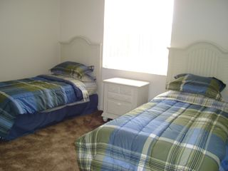 Wildflower Ridge villa photo - Second twin room with wardrobes.