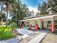 1928 Craftsman Bungalow In Seminole Heights. Walk To Zoo, Dining, Shops & More!