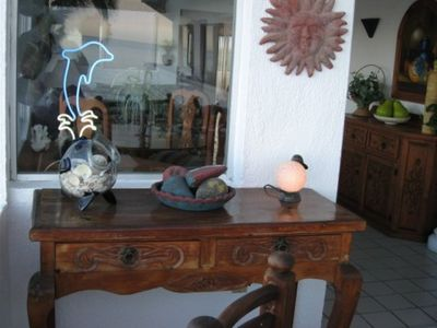 Manzanillo condo rental - Small table on the patio