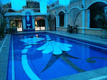 Huge indoor pool with separate hot tub Jacuzzi - massage & Spa
