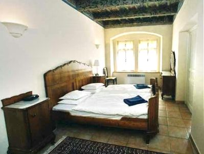A double antique bed, perfect for a romantic weekend