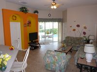 Luxury 4 Br / 3 Ba With Private Pool / Spa / Games room /Free WiFi / Big Garden