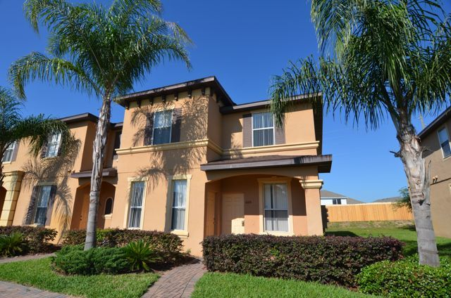 1104 Calabria Avenue - Four Bedroom Townhome - Townhouse
