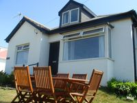 Family Holiday Cottage opposite Trevone Beach