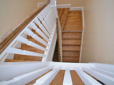 Fur, Fins and Feathers - Stairs - Cottage Rental Agency