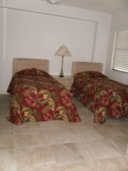 Garden City Beach condo photo - Two twin beds in second bedroom with access to second bath from bedroom