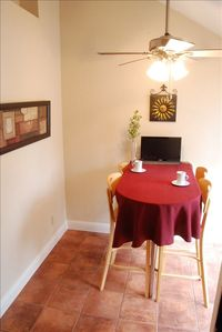 Walnut Creek condo rental - Breakfast nook off the kitchen, sunny and bright , opens to balcony with a BBQ.