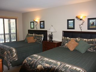 Breckenridge condo photo - Second Bedroom with Two Queen Size and One Day Bed