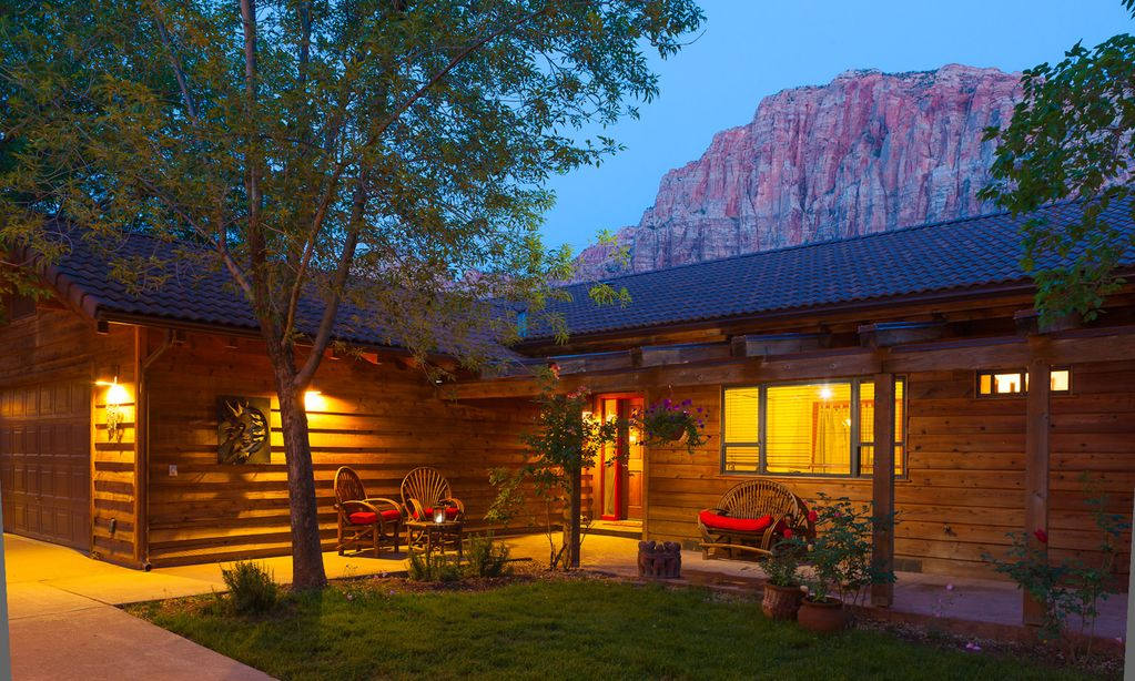 Nama stay vacation rental zion national park vrbo for Vacation rentals near zion national park