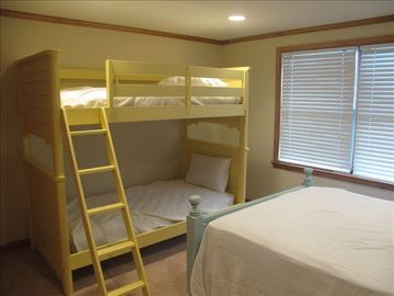Second Bedroom bunkbeds