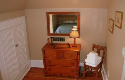 Newport house rental - Second bedroom on upper floor.