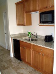 Hampton Beach hotel photo - Studio kitchenette