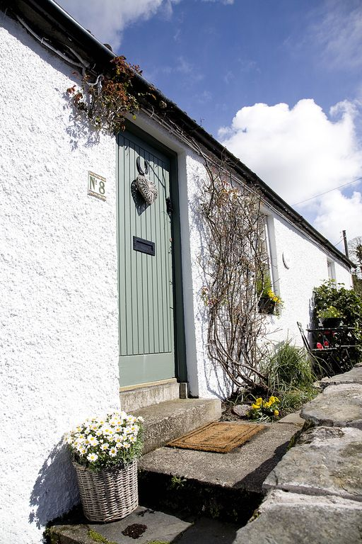 Pretty Cottages in Historic Village, Close to Beach and Attractions - Lilac Tree Cottage, Greyabbey, Strangford Lough, Co Down, N.Ireland