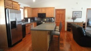 Lake Norman house photo - The kitchen is equipped ! And, there are four barstools for eating at the bar.