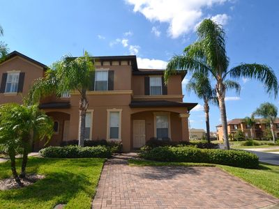 Newly Renovated 4 Bed Town Home Regal Palms Resort!
