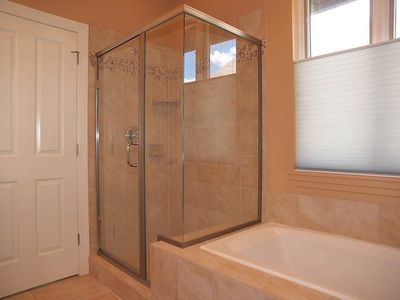 MASTER BATH W/ SHOWER, TUB, VANITY, TILE