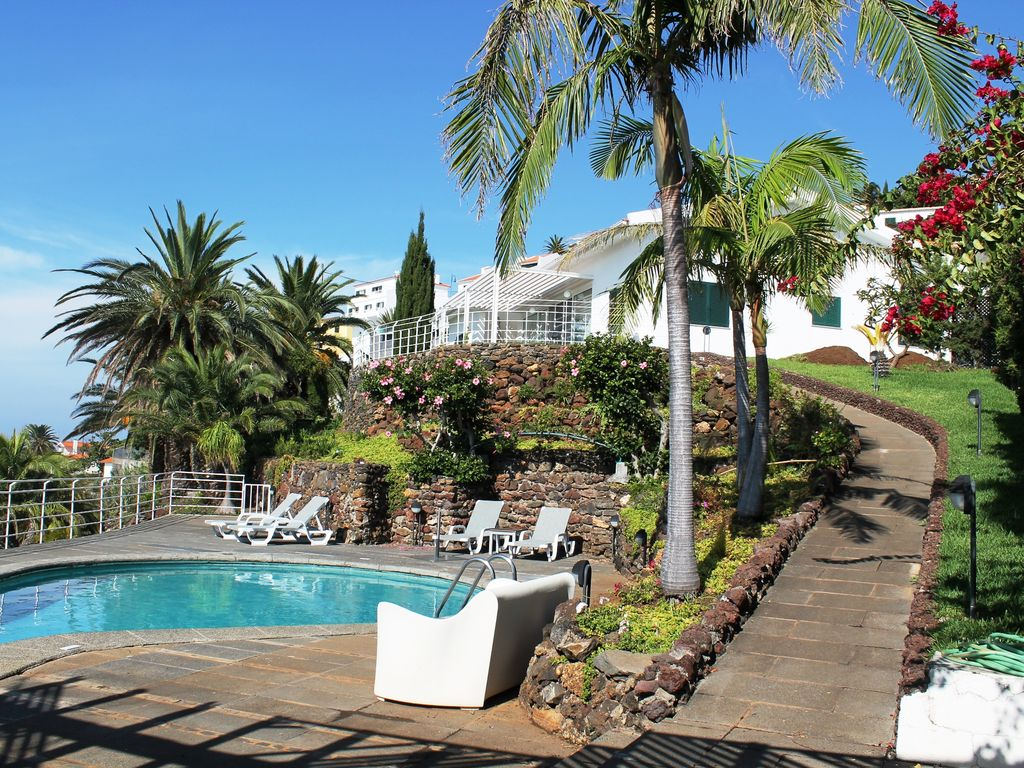 Luxury accommodation, with pool , Caniço, Portugal
