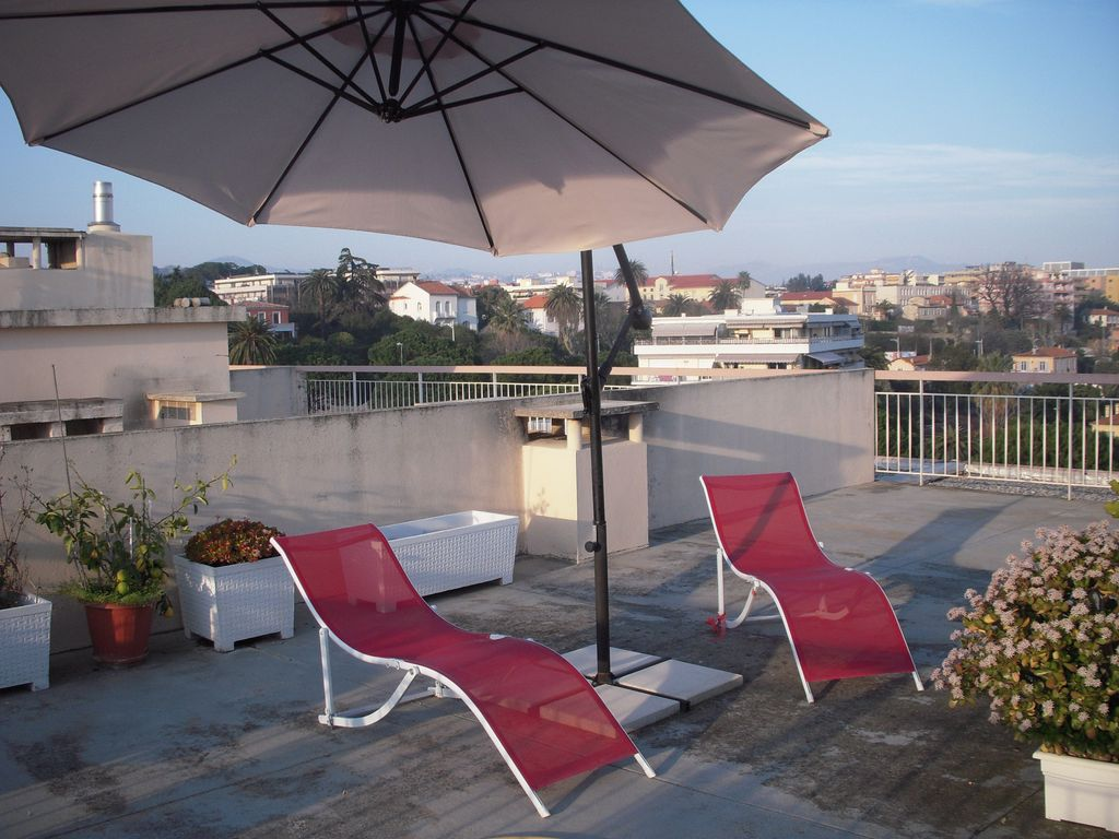 Appartement avec toit terrasse privatif nice pays ni ois for Appartement toit terrasse