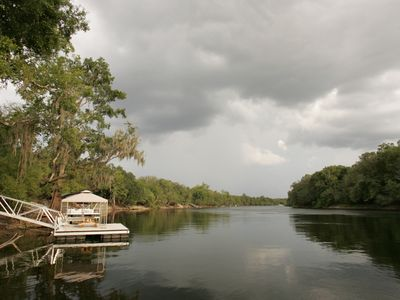 Suwannee Cottages boat docks looking down river
