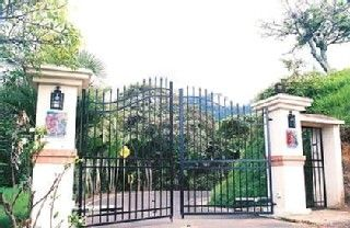 Escazú cottage photo - Private entrance Gate