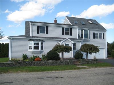 Newport house rental - Briarwood Beach House: Spacious, sunny 4 BD home minutes walk to beaches