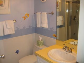"Twin ""Fish Room"" bath - Captiva Island house vacation rental photo"