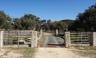 Bandera cottage photo - Front Gate
