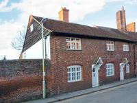 9 LINDEN GROVE, character holiday cottage in Canterbury, Ref 23572