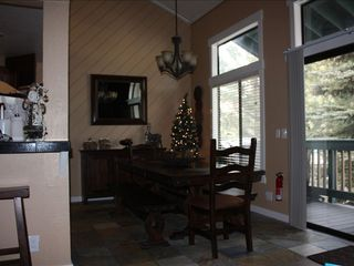 Mammoth Lakes condo photo - Dining Area