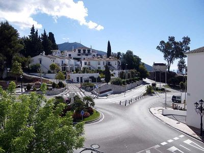 Mijas apartment rental - Road below and view down to the coast