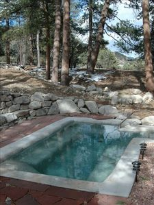 Private natural hot springs soaking pool, spacious enough for a large group!