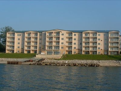 Lake Erie Vista from a Kayak , beautiful beach, pier and patio hear the waves