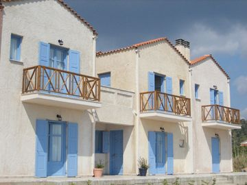 Kyparissis Beach houses no1 and no 2